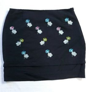 HD in Paris Floral Silk Embroidered Pencil Skirt